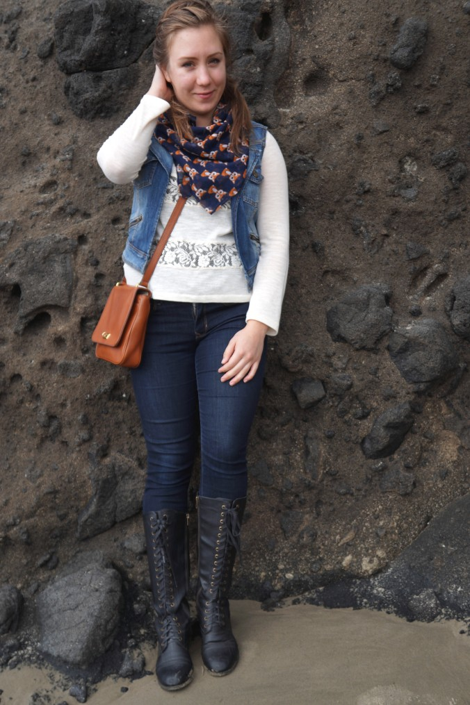 shirt : delia's / jeans : gap / boots: rampage / scarf : francesca's / purse : fossil